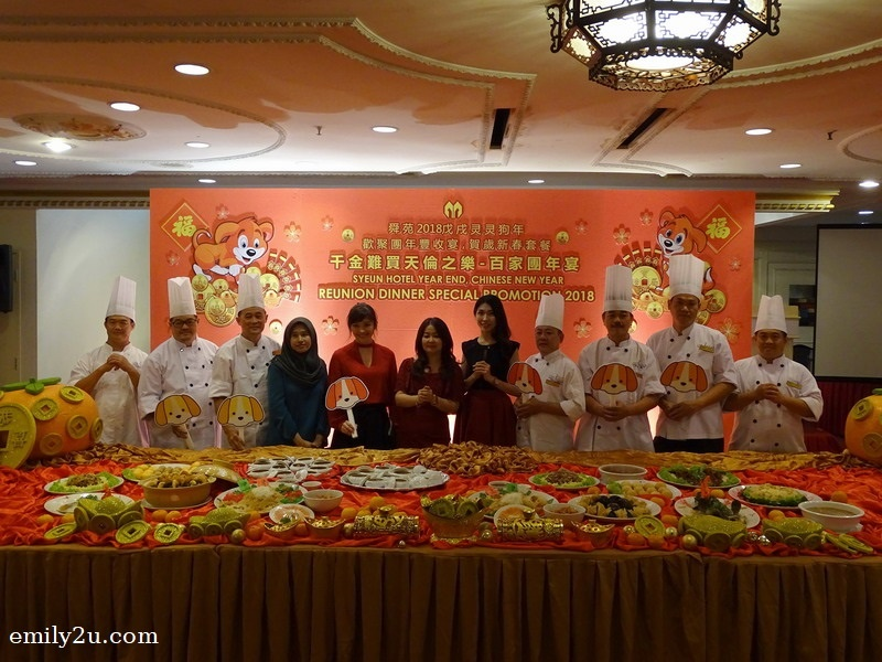 1. Syeun Hotel management and culinary teams promote the hotel's Chinese New Year menus