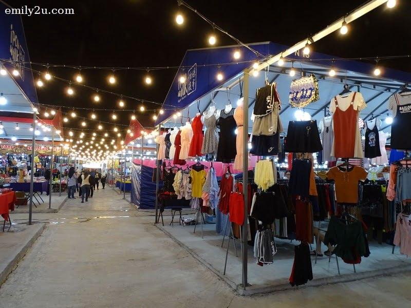 14. fashion stall