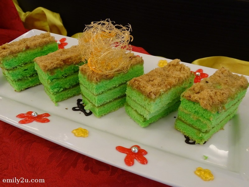 14. Chicken Floss Sliced Cakes