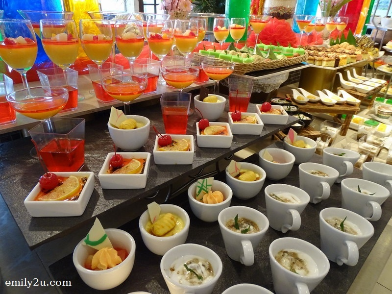 16. dessert counter