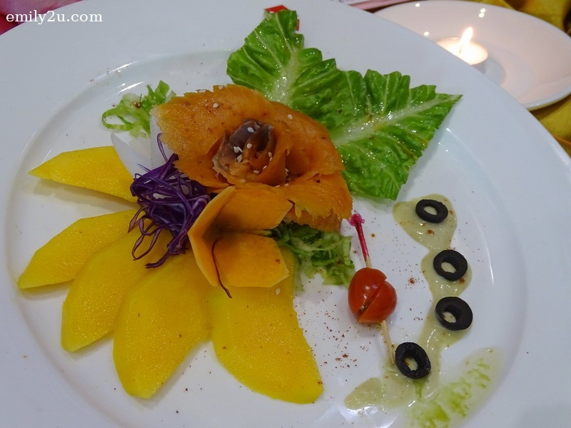 2. appetiser - Smoked Salmon with Mango