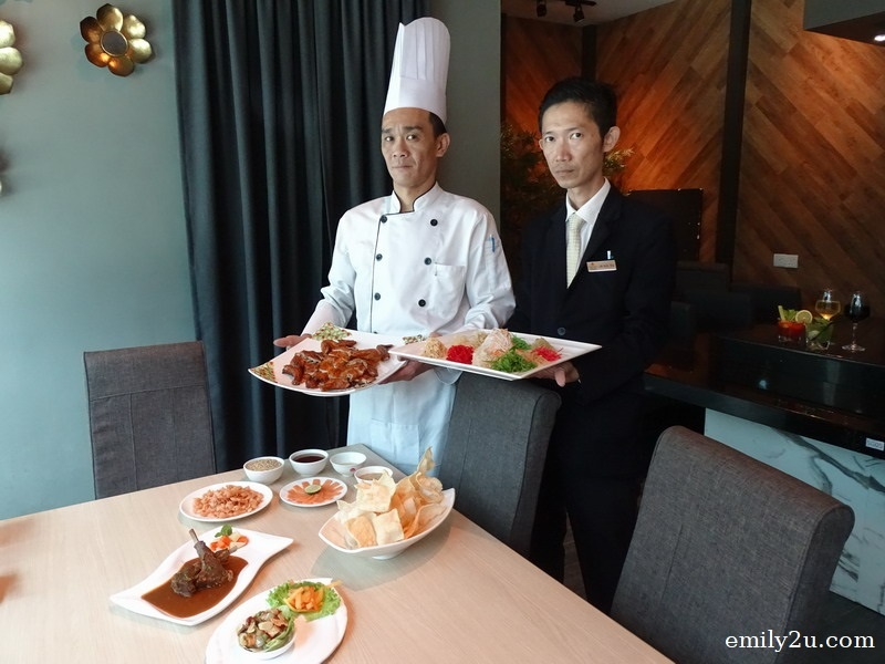 11. Zui Xin Lao Seafood Restaurant Chef Chong Chee Yee (L) & Manager Lim Kok Wai (R)