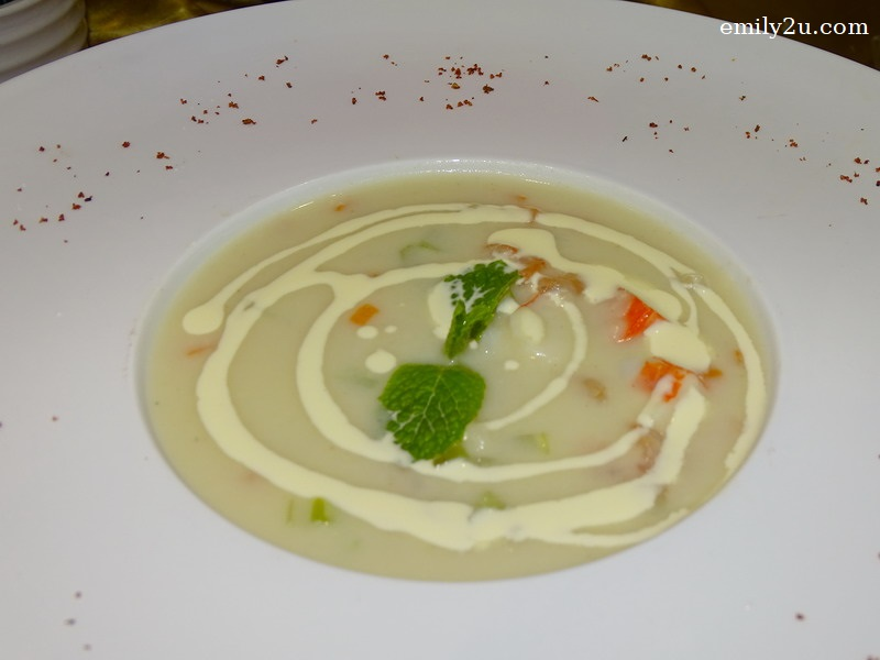 3. soup - New Zealand Seafood Chowder