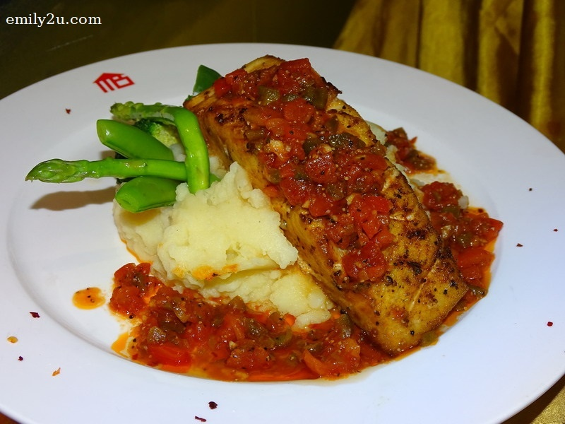 4. Main - Pan-Fried Butter Fish with US Mash Potato, Fresh Garden Vegetables of the Day and Capsicum Salsa