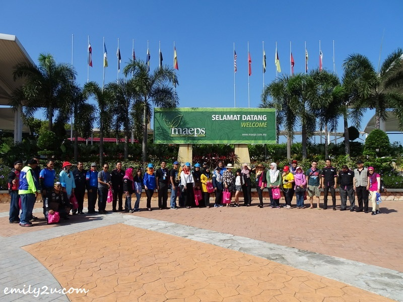 1. Road to Agro Tourism Series 3 delegation takes a group photo in front of MAEPS