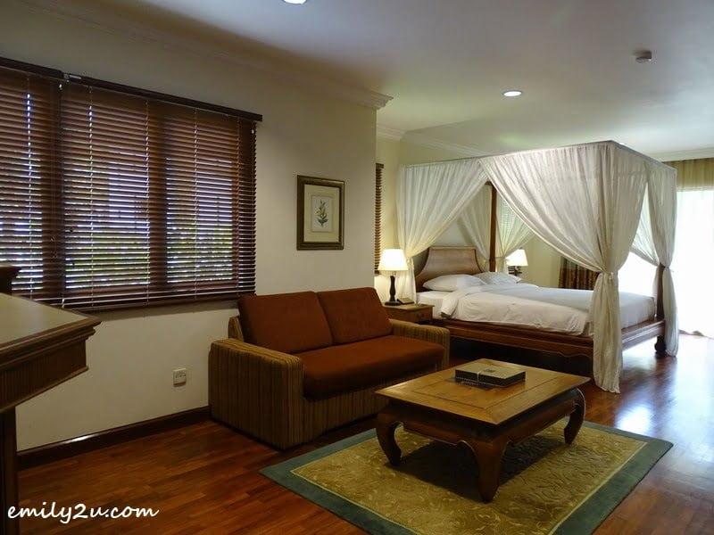 19. bedroom