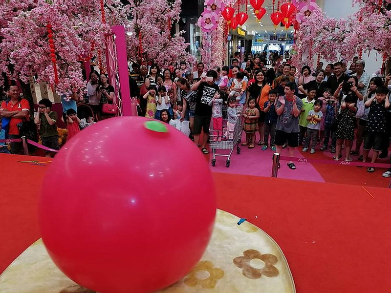 3. one of Au Young Events' signature performances: Giant Balloon