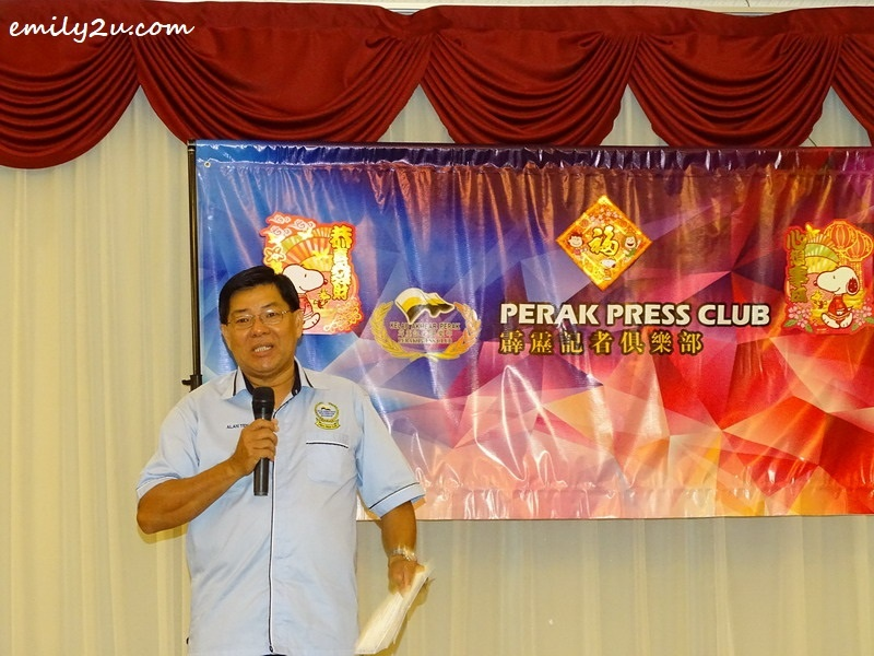 3. Perak Press Club Chairperson Alan Teh delivers his speech