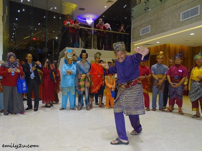 1. silat performance by Persatuan Dunia Seni Silat Melayu Malaysia