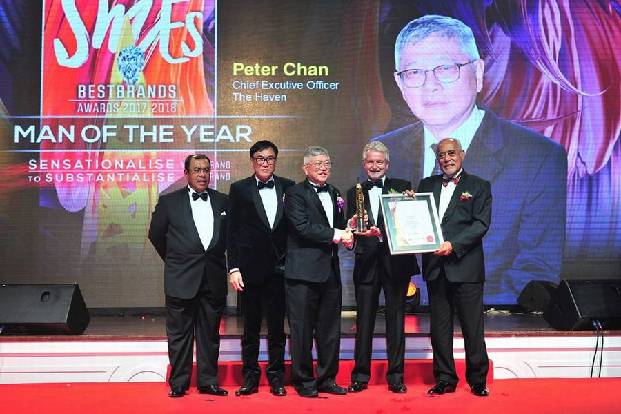 Mr. Peter Chan, The Haven's Chief Executive Officer (M), receives the SME Man of the Year Award 2017-2018