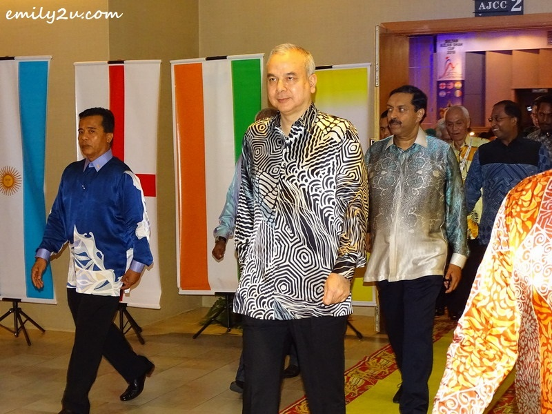 14. HRH Sultan of Perak Sultan Nazrin Muizzuddin Shah Ibni Almarhum Sultan Azlan Muhibbuddin Shah Al-Maghfur-Lah leaves the venue, accompanied by other dignitaries