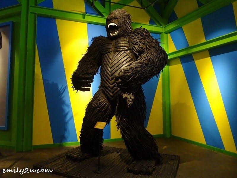 2. Gorilla