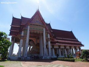 4 Wat Hat Yai Nai