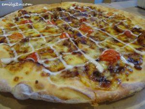 4 tuna pizza