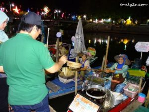 5 Khlong Hae Floating Market