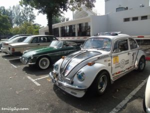 5 classic cars gathering