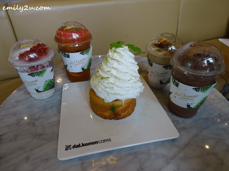 6. Matcha Lava Cruffin with drinks (L-R) Strawberry Cube, Honey Grapefruit, Honey Coffee Cube & Chocola'de Shake