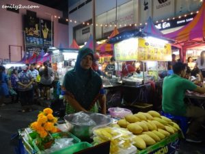 7 Lee Gardens Hat Yai Walking Street
