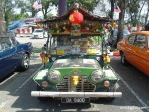 9 classic cars gathering