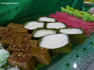 13 Assorted Malay Kuih