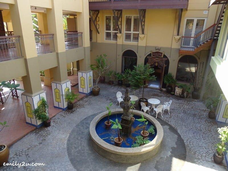 22. courtyard garden