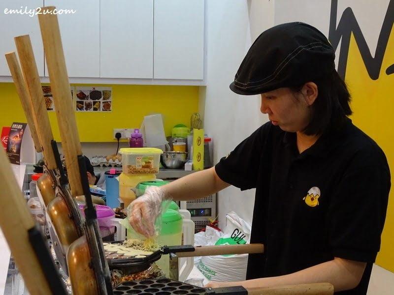 3. preparing eggette