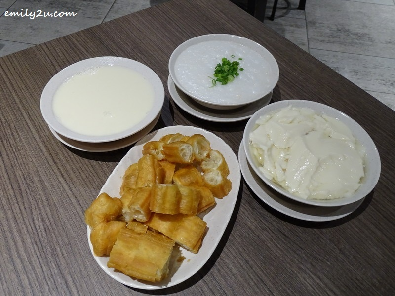 3. set of Yootiao, porridge and soya bean with add-on order of tau fu fah