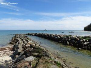 1 Pulau Layang-Layangan