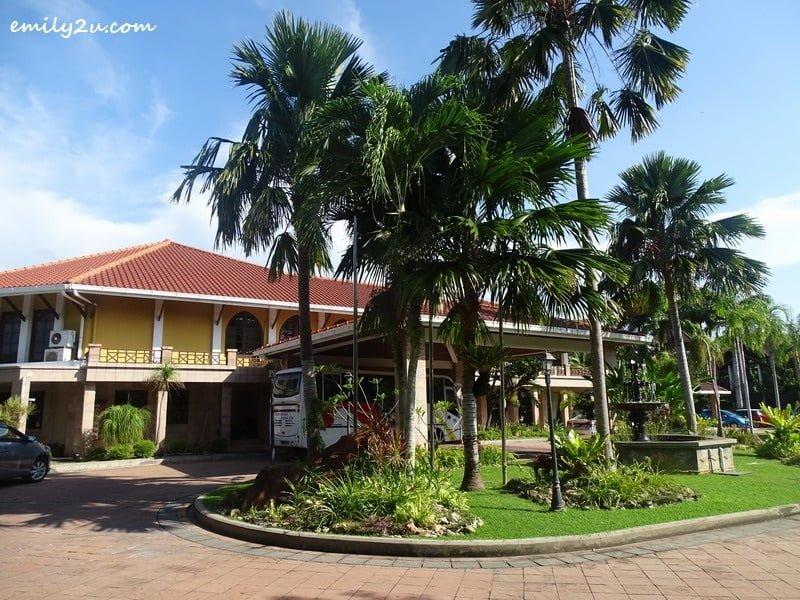 1. Tiara Labuan Hotel