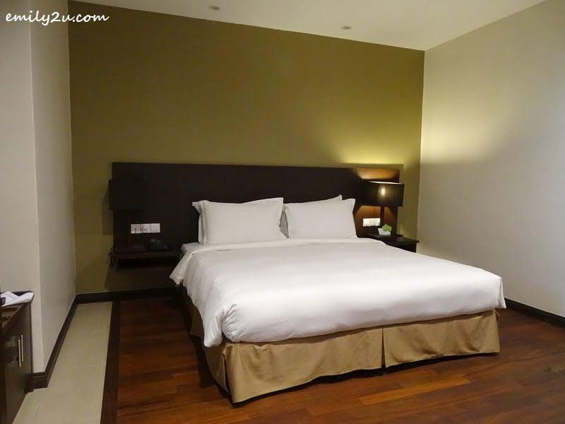 10. guest room