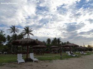 14 Palm Beach Resort and Spa Labuan