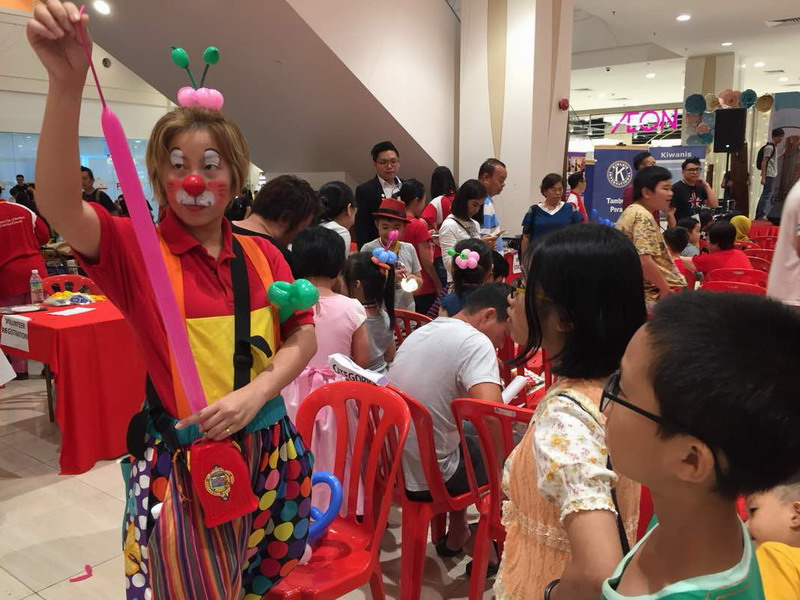 15. clown entertainment and balloon sculpting by Au Young Events