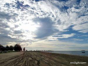 15 Palm Beach Resort and Spa Labuan