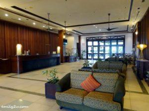 2 Palm Beach Resort and Spa Labuan