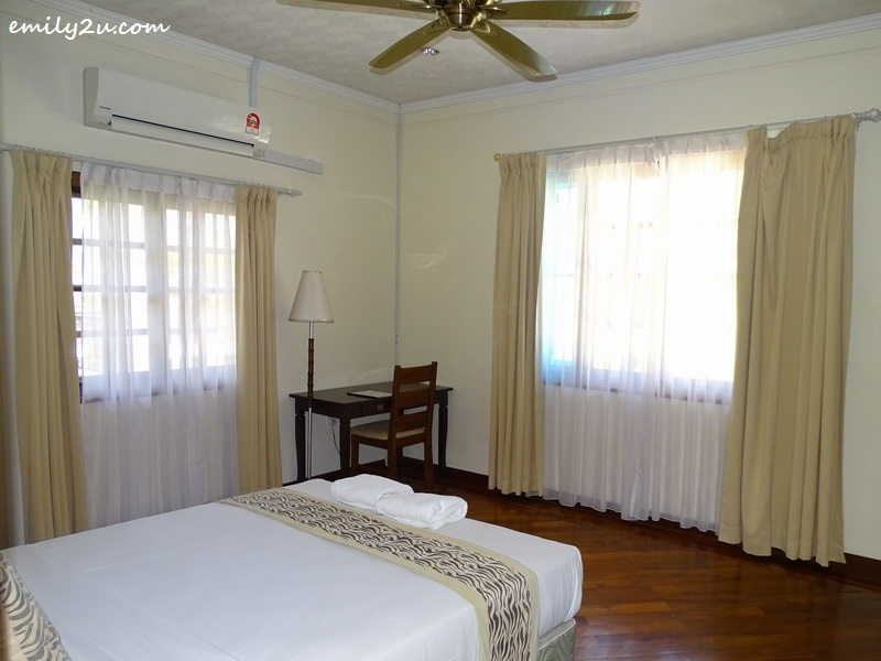 21. villa bedroom
