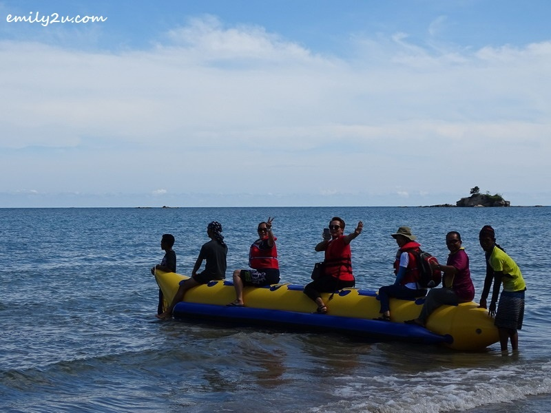 4. banana boat transfer from beach to boat