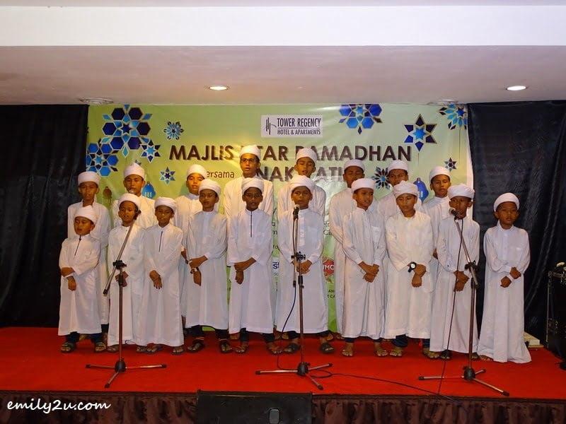 4. children from Pertubuhan Kebajikan Anak Yatim Bait Al Amin, Parit render two nasyid songs