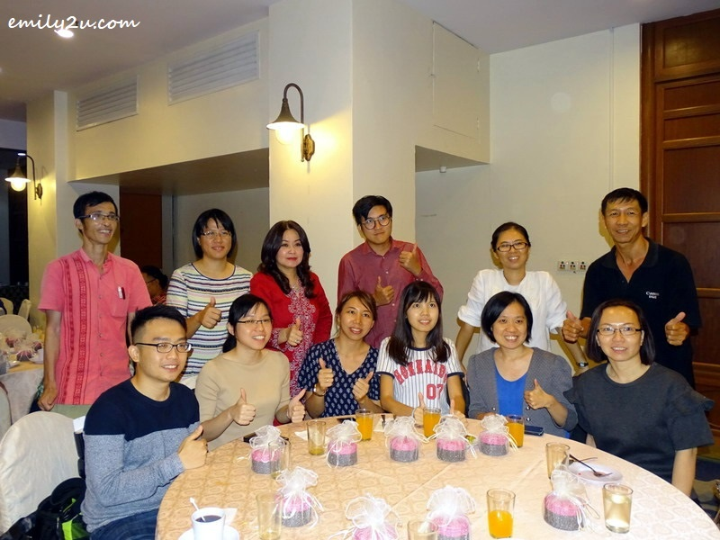 6. Malaysian Association of Hotels (MAH) Perak Chapter Chairperson Ms. Maggie Ong (in red) with members of the media