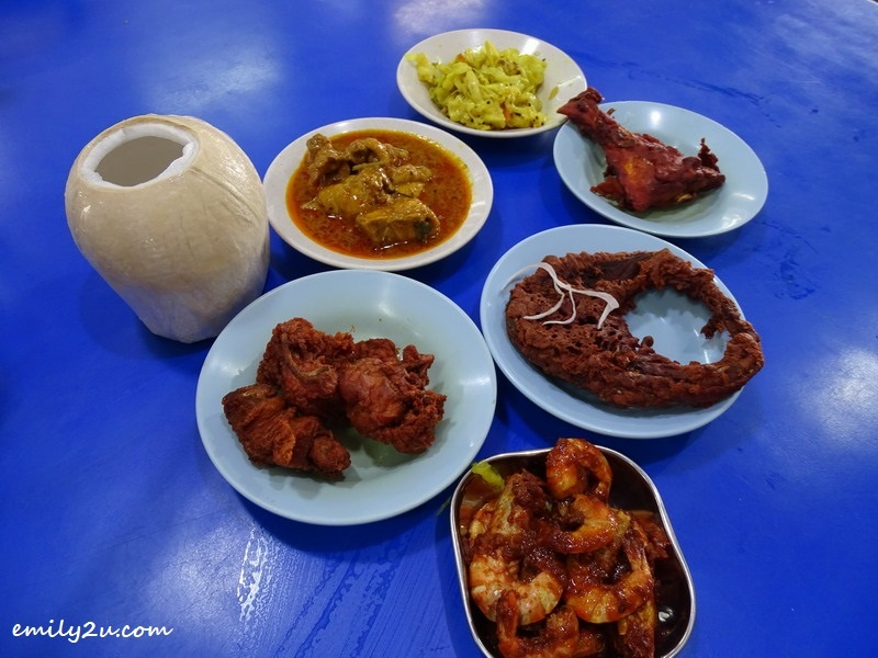 8. side dishes: two varieties of chicken: chicken 65 and gravy-type Indian chicken curry, two flavours of fried fish, prawn sambal, turmeric cabbage and coconut jelly