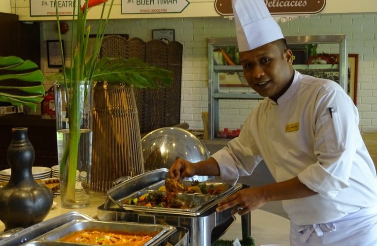 Irresistible Buy 3 Free 1 Buffet Lunch Offer This August @ Impiana Hotel Ipoh