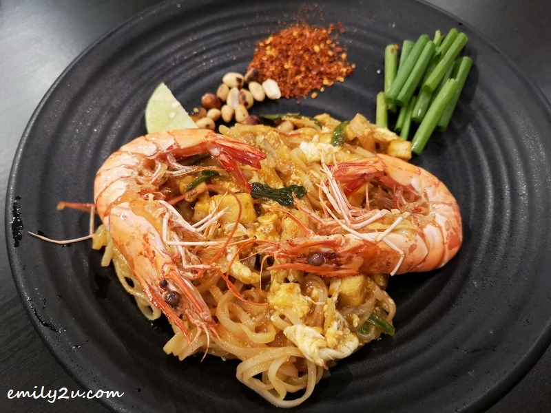 10. Pat Thai (traditional fried Thai noodles)