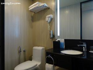 11 Holiday Inn Express Kuala Lumpur City Centre