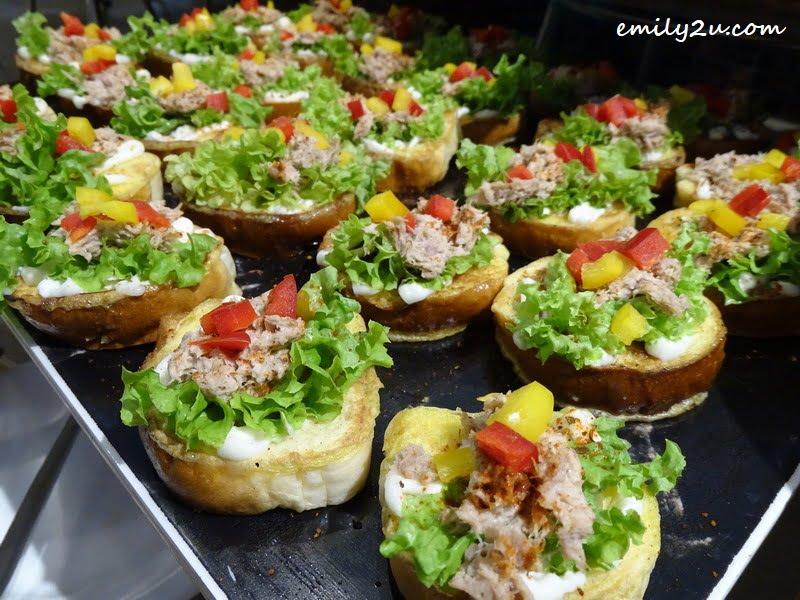 15. Tuna Canapes