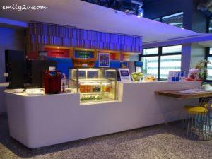 16 Holiday Inn Express Kuala Lumpur City Centre