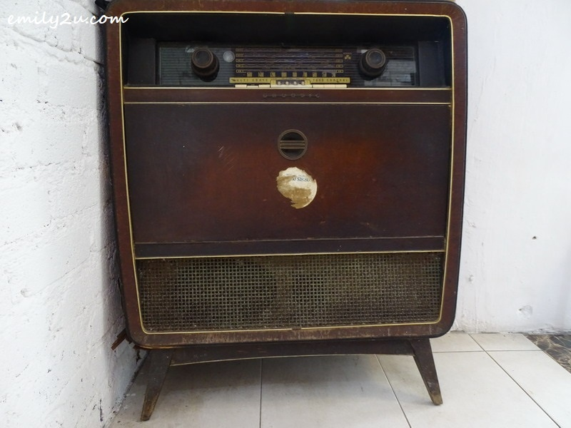 16. vintage Grundig music box as decor