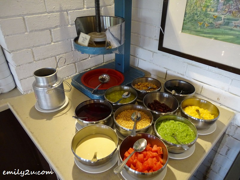 14. condiments at the DIY ais kacang counter