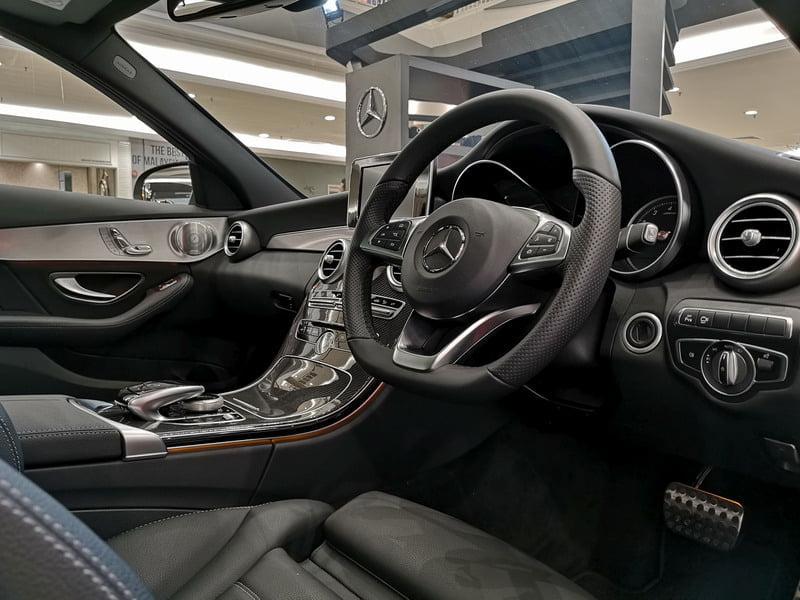 5. interior of C350e