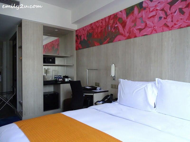 8. guest room