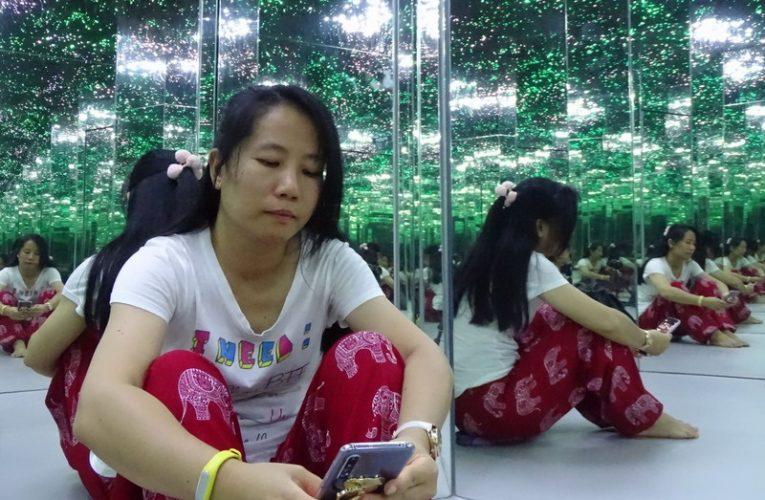 Mind-Bending Eye Tricks @ Museum of Illusions, Kuala Lumpur