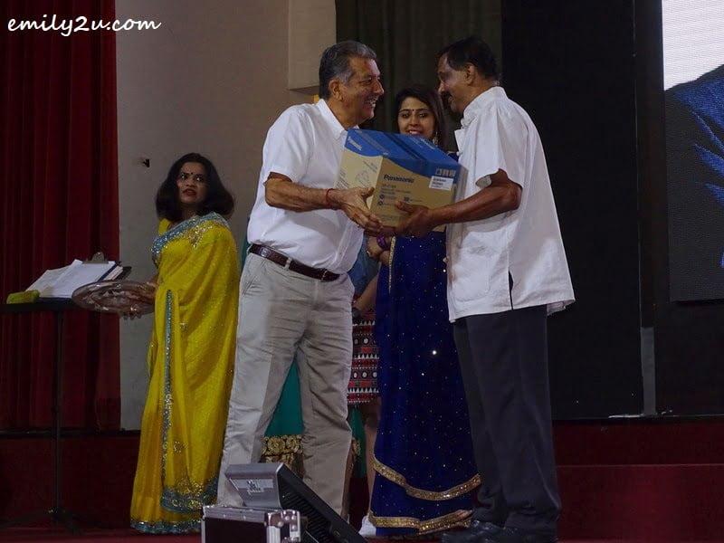17. lucky draw prize presentation